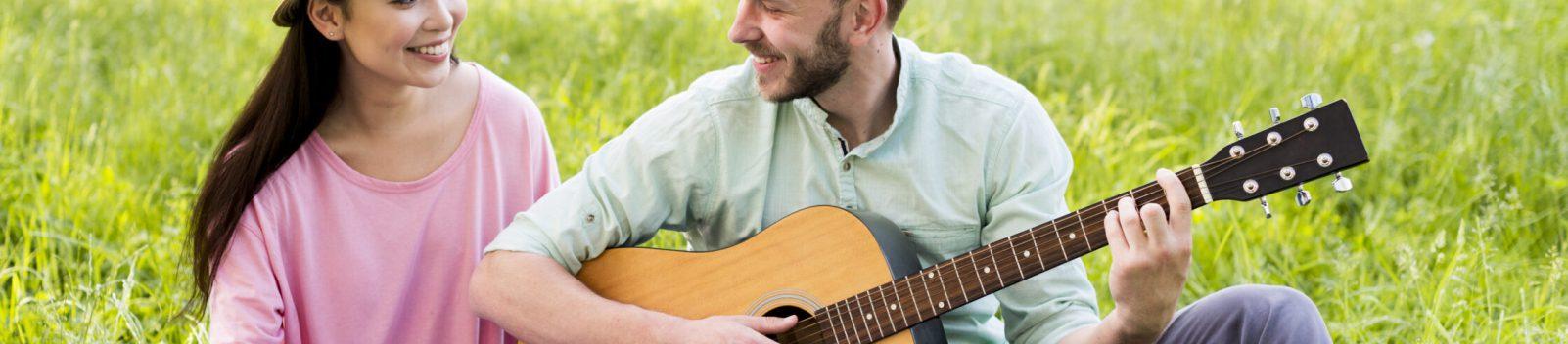 Background photo created by freepik - www.freepik.com